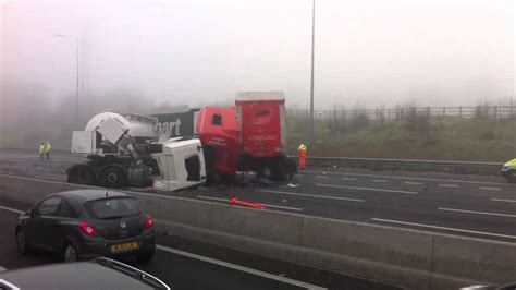 M1 accident 3 lorries involved 15/03/2011 (HD) - YouTube