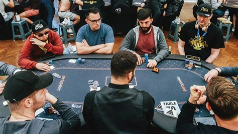 No limit: AI poker bot is first to beat professionals at