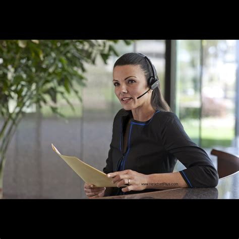 The 6 Best Wireless Headsets For Customer Service 2020