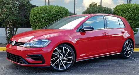 Test Drive: 2018 Volkswagen Golf R | The Daily Drive