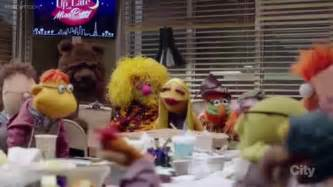 Muppets Sing The Muppet Show Theme 2016 - YouTube