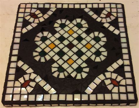 Mosaic for Beginners – Fall Courses in Villach – Naturally