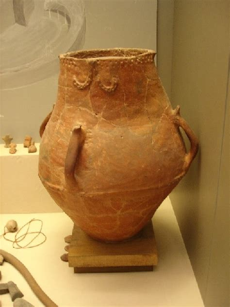 Neolithic pottery pictures and photo coolection from greek