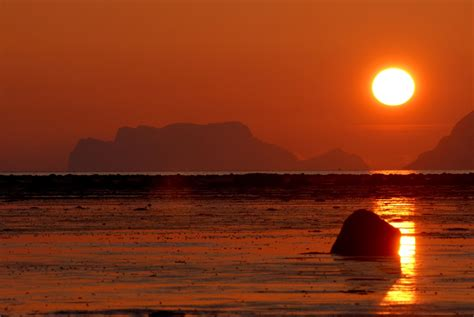 Where to see the Midnight sun - Norway Today