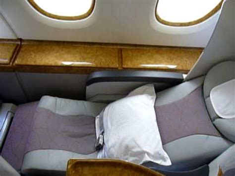 Emirates A380 Business Class Seat/Bed - YouTube
