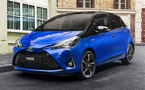 2017 Toyota Yaris Hybrid 5-door - Wallpapers and HD Images
